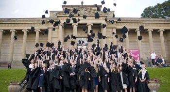 Üniversitelilerin Kredi Borcu Siliniyor Mu?
