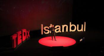 İzlediğinizde Başarmak İçin Sizi Hedefe Ulaştıran 3 TEDx Konuşması